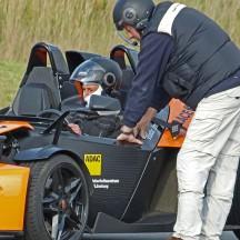 Das persönliche Coaching erfordert eine intensive Auseinandersetzung mit dem turbogetriebenen Sportwagen. Foto: FSZ