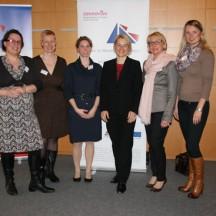 Sarah Körth, Imme Bruss, Marion Eichler, Ministerin Kristin Alheit, Vera Böge und Tanja Lening ( von links nach rechts )