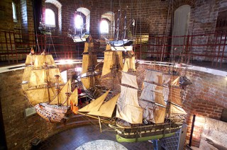 Schiffsmodelle Holstentor