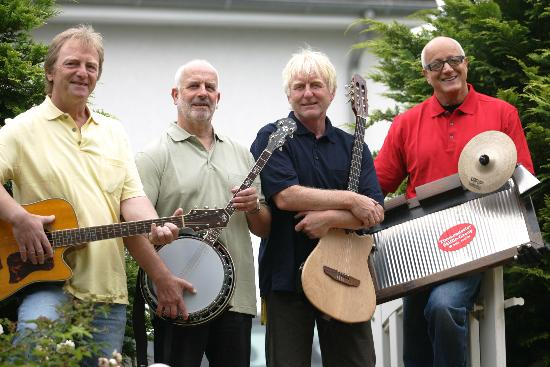 info@skifflegroup.de - Konzert am fr,14,August 2015 Kultur-Bühne HL-Travenmünde - ME - Timmendorfer Skiffle Group 2007 017