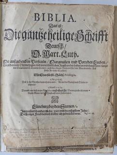 Ulli.Gerlach@polizei.landsh.de - PM 20150923_HL_St. Jürgen_Lutherbibel aus dem Jahre 1634 sicherg - ME - DSC_4596