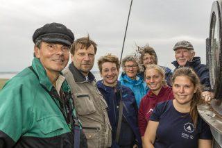 Staatssekretärin Anke Erdmann (Mitte) mit Vertreterinnen und Vertretern der Nationalparkverwaltung, des Umweltministeriums und der Schutzstation Wattenmeer auf dem Westerhever Leuchtturm. FOTOHINWEIS: Stock / LKN.SH