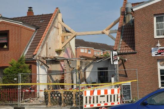tbf220718_Haus in der Ziegelstrasse abgerissen_Kroeger_011
