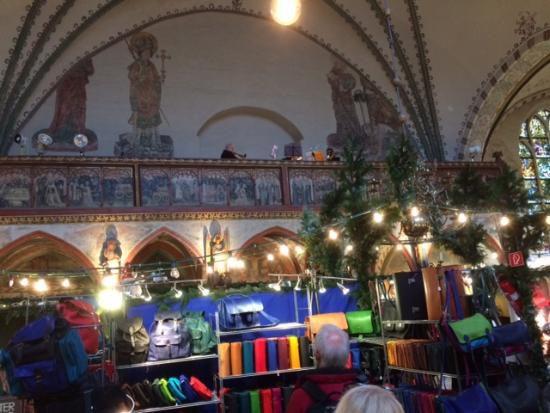 Weihnachtsmarkt-Heiligen-Geist-Hospital_Halenza_0001